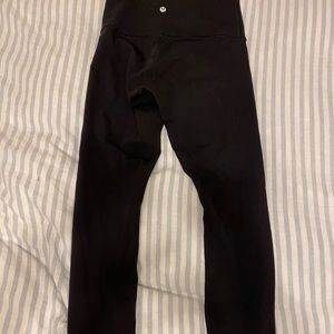 "28"" Lululemon leggings - black sz6 SEND OFFER"